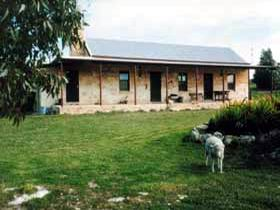 Mt Dutton Bay Woolshed Heritage Cottage - Accommodation Broken Hill