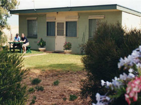 Oaklands Fishing Cottage - Accommodation Broken Hill