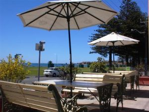 Anchorage at Victor Harbor Seafront Hotel - Accommodation Broken Hill