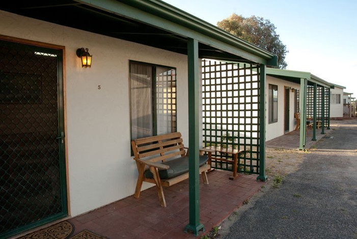 Moonta Bay Road Cabins and Cottages - Accommodation Broken Hill