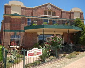 The Rio Holiday Apartments and Theatre - Accommodation Broken Hill