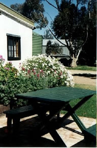 Dunalan Host Farm Cottage - Accommodation Broken Hill