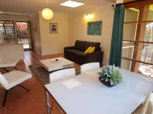 Bright Highland Valley Cottages - Accommodation Broken Hill