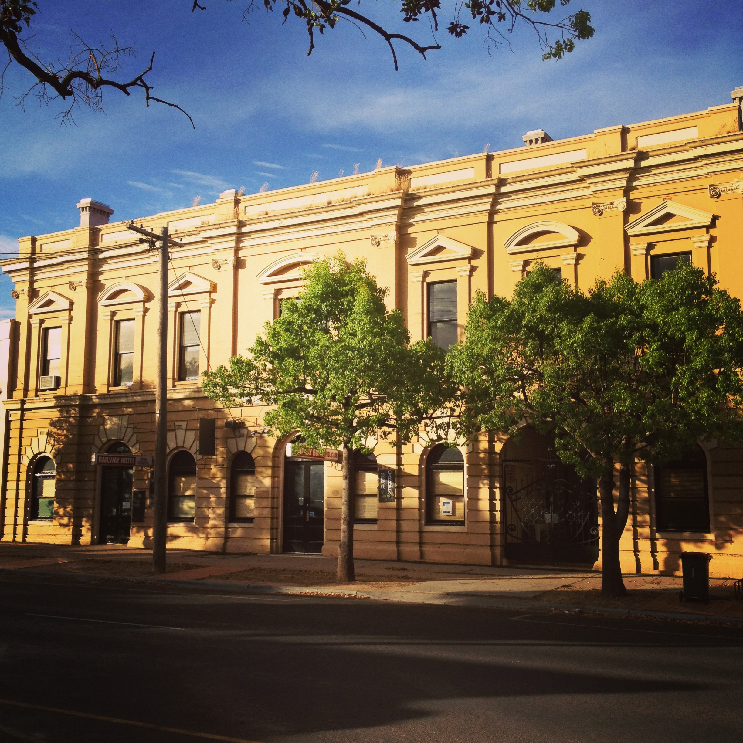 Railway Hotel Dunolly - Accommodation Broken Hill