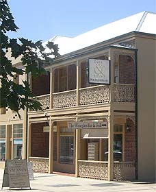 Cobb  Co Court Boutique Hotel - Accommodation Broken Hill