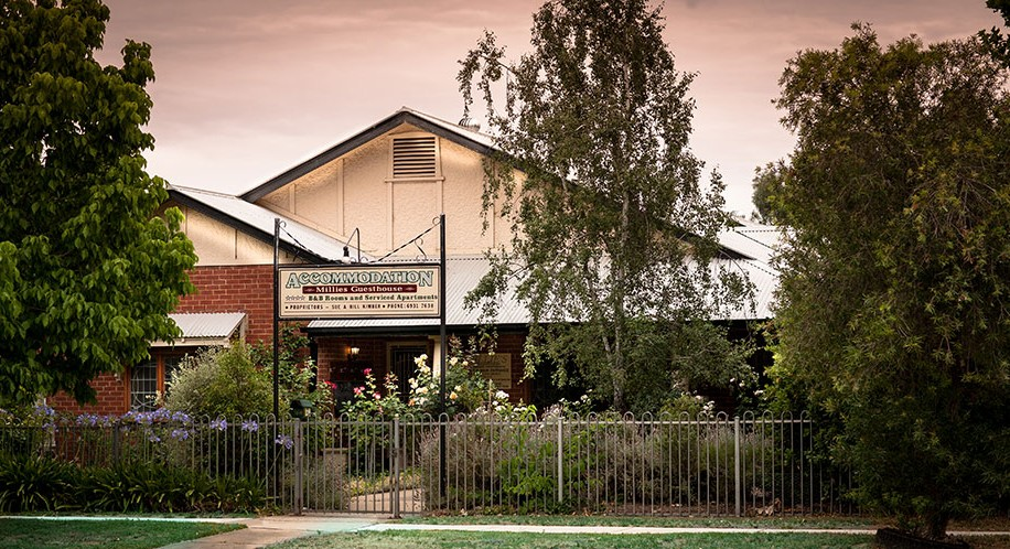 Millies Guesthouse  Serviced Apartments - Accommodation Broken Hill
