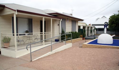 Executive Holiday Rental - Accommodation Broken Hill