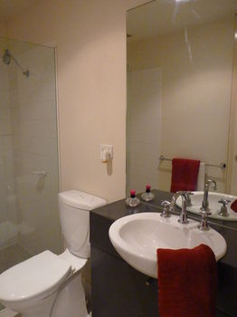 Australian Home Away  Market Square Melbourne - Accommodation Broken Hill