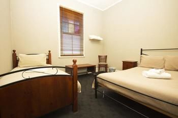Pedenaposs Hotel - Accommodation Broken Hill