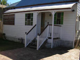 A Pine Cottage - Accommodation Broken Hill