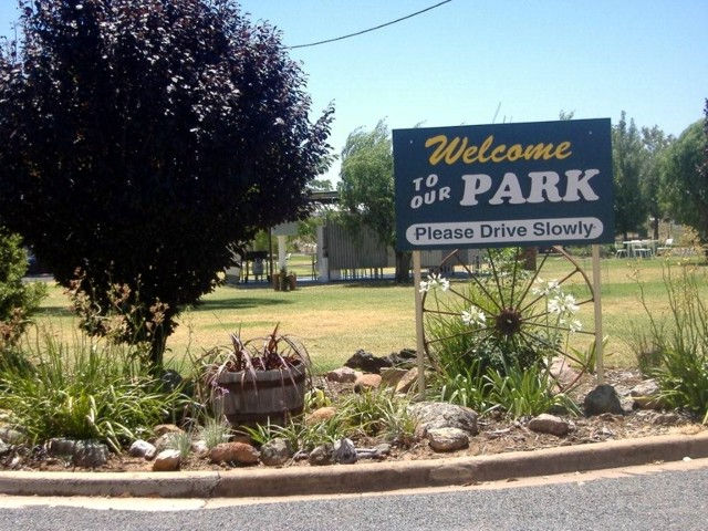 Country Club Caravan Park - Accommodation Broken Hill