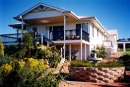 Lovering's Beach Houses - The Whitehouse Emu Bay - Accommodation Broken Hill