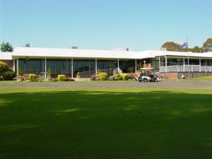 Tenterfield Golf Club and Fairways Lodge - Accommodation Broken Hill