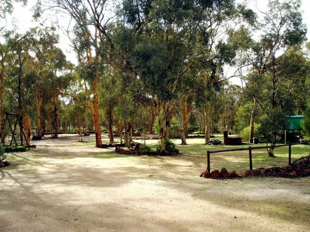 Toodyay Holiday Park  Chalets - Accommodation Broken Hill
