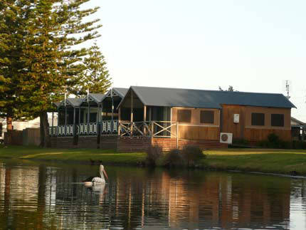 Two Shores Holiday Village - Accommodation Broken Hill