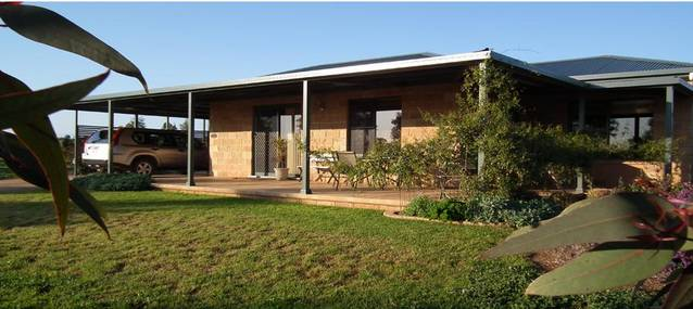 Welcome Cottage Executive Serviced Accommodation - Accommodation Broken Hill