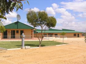Tressies Museum and Caravan Park - Accommodation Broken Hill