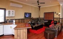 Top of the Range Retreat - Accommodation Broken Hill