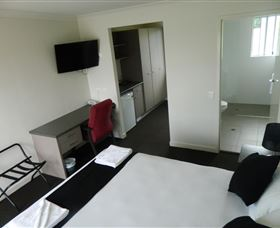 Dooleys Tavern and Motel Springsure - Accommodation Broken Hill
