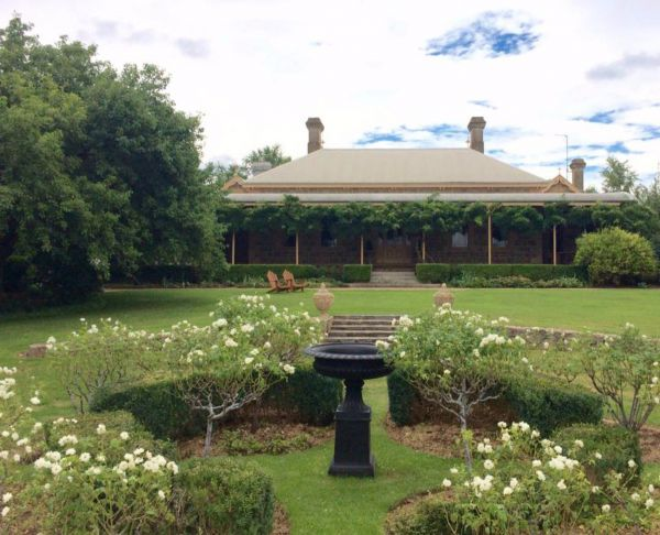 Clifton House and Gardens Farm Stay Accommodation - Accommodation Broken Hill