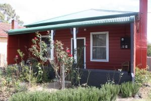 The Red House - Accommodation Broken Hill