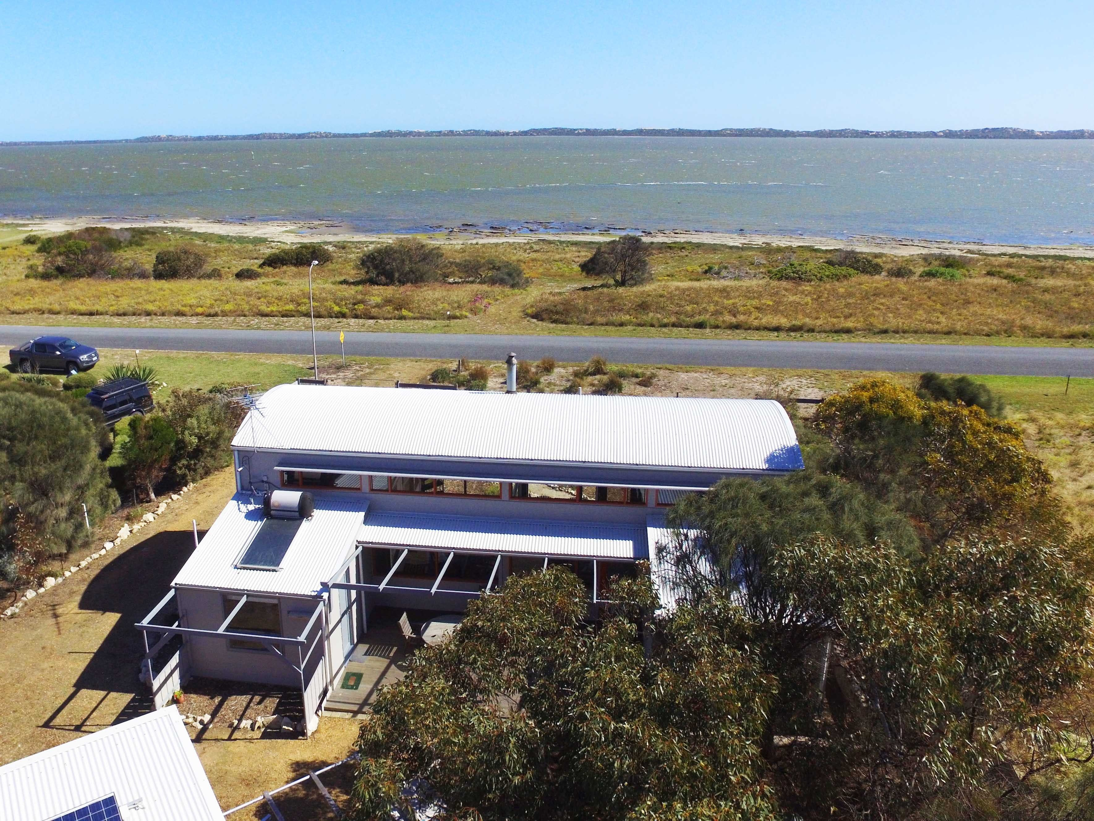 Coorong Aurora - Breathtaking Waterfront Escape - Accommodation Broken Hill