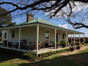 Crookwell Farmhouse - Accommodation Broken Hill