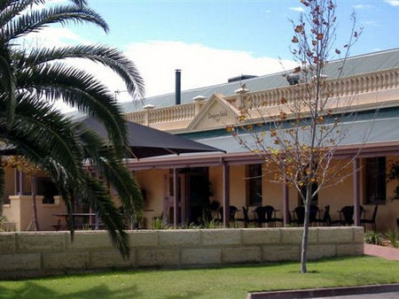 Dongara Hotel Motel - Accommodation Broken Hill