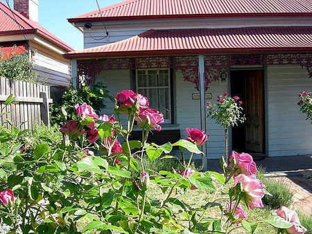 Airleigh - Rose Cottage - Accommodation Broken Hill