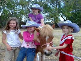 Amberainbow Pony Rides - Accommodation Broken Hill