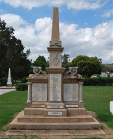 Boer War Memorial and Park Allora - Accommodation Broken Hill