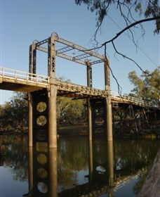 The Historic Barwon Bridge - Accommodation Broken Hill