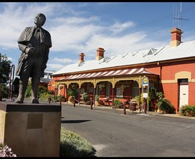 Forbes Railway Arts and Visitor Information Centre - Accommodation Broken Hill
