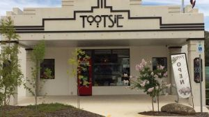 Tootsie Fine Art and Design - Accommodation Broken Hill
