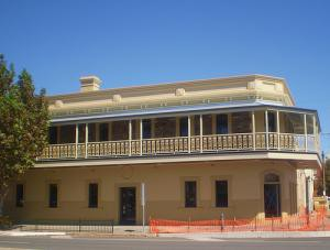 The British Hotel - Accommodation Broken Hill