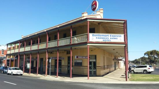 Farmers Arms Hotel - Accommodation Broken Hill
