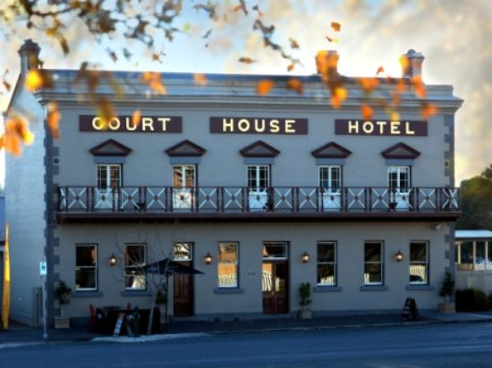 The Courthouse Hotel Bistro - Accommodation Broken Hill