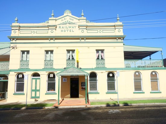 Railway Hotel Armidale  1879 Bistro - Accommodation Broken Hill