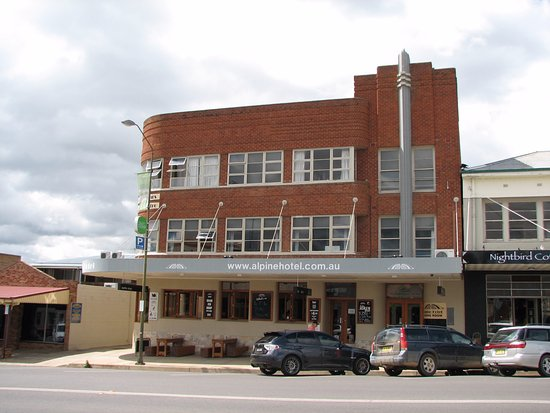 The Alpine Hotel Restaurant Cooma - Accommodation Broken Hill