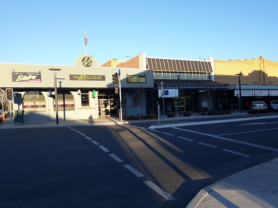The Macleay Hotel - Accommodation Broken Hill