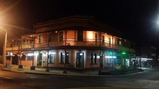 The Great Central Hotel - Accommodation Broken Hill