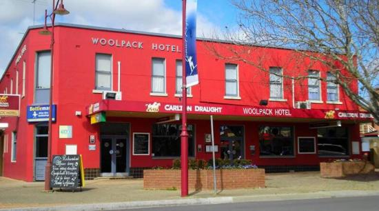 Woolpack Hotel Tumut - Accommodation Broken Hill