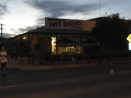 Robbo's Restaurant at Robertson's Hot Bread Kitchen - Accommodation Broken Hill