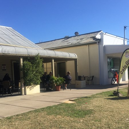 Relaxing Cafe - Accommodation Broken Hill