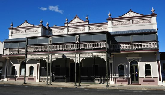 Warwick Hotel - Accommodation Broken Hill