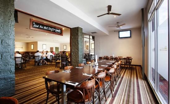 Graziers Steakhouse - Dalrymple Hotel