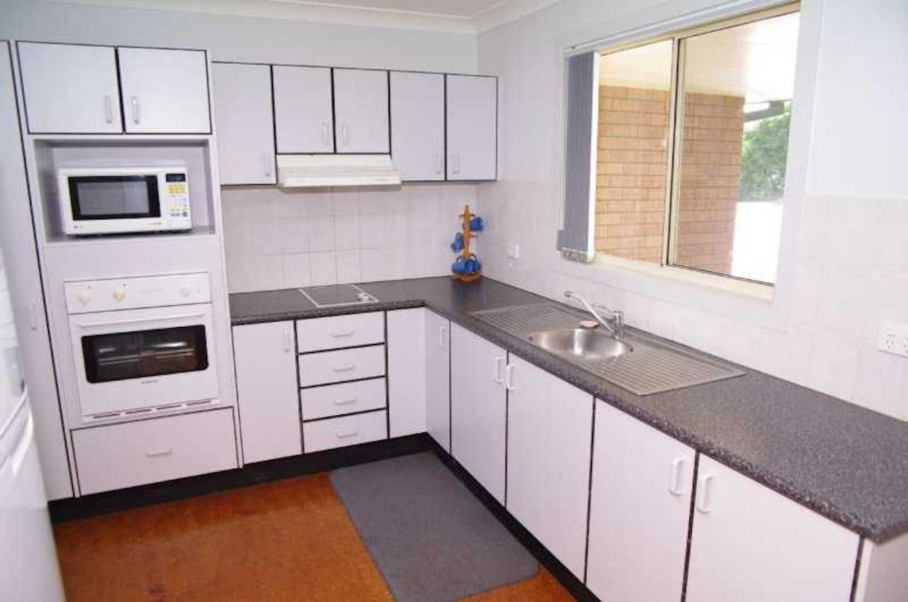 Bellhaven 1 17 Willow Street - Accommodation Broken Hill