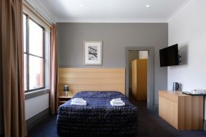 Royal Exhibition Hotel - Accommodation Broken Hill