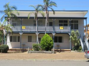 Cabenay 3 - VIEWS ACROSS THE PARK - Accommodation Broken Hill