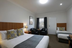 Cadman Motor Inn and Apartments - Accommodation Broken Hill